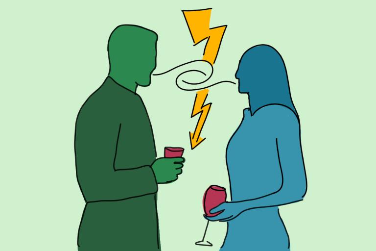 Zwei Personen stehen sich mit einem Glas in der Hand gegenüber. Zwischen Ihnen ist ein Blitz. Sie unterhalten und streiten sich.
